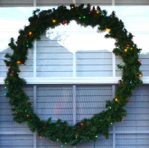 Simple Christmas Decor Hula Hoop Wreath